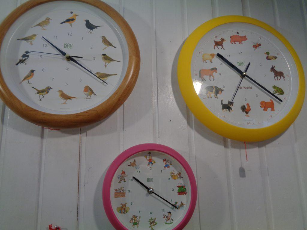 Kookoo Vogeluhren, Bauernhofuhren, Kinderliederuhren