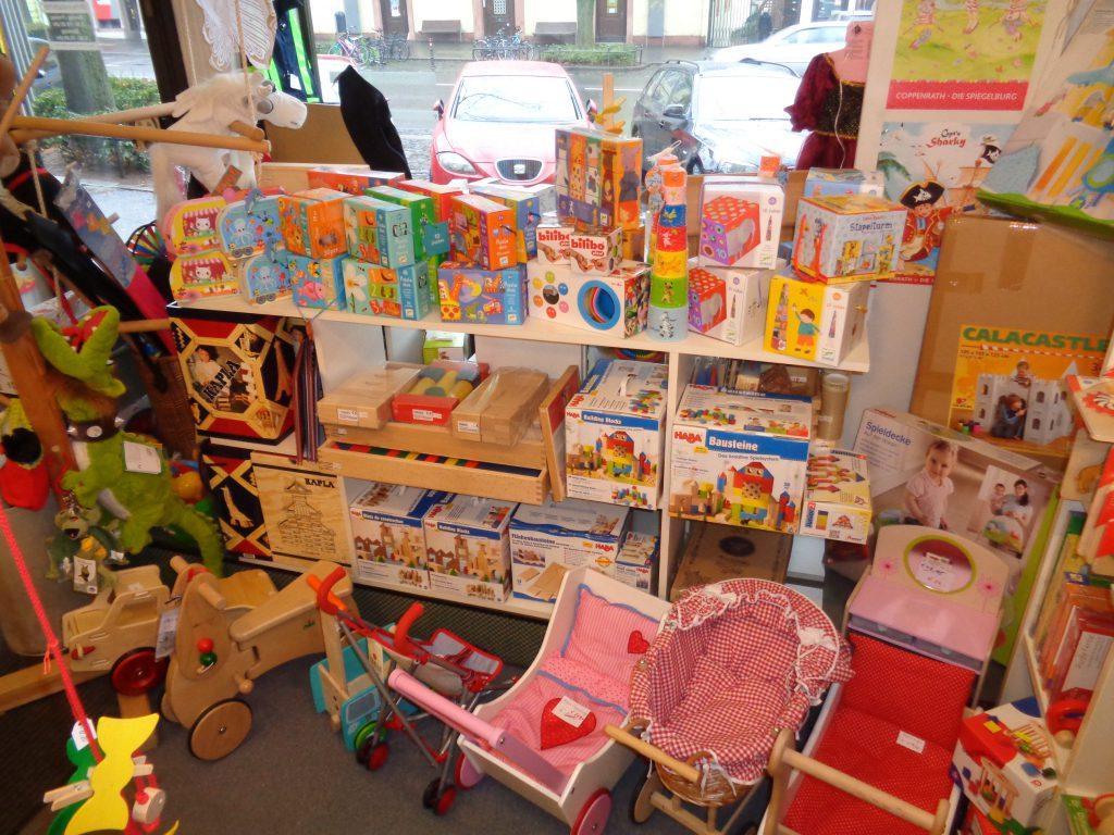 Puppenwagen, Holzbausteine, Kapla Steine, Djeco Puzzle